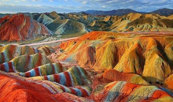 rainbow-mountains-danxia-landform-geological-park-china-13