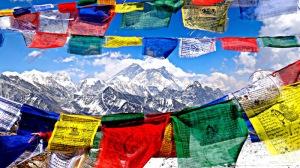 prayer-flags-in-tibet