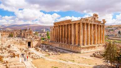 This image has an empty alt attribute; its file name is baalbek-lebanon-d3bb80294821.jpg